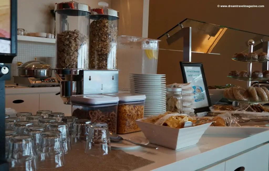 Plaza Premium Lounge Pearson Toronto YYZ Dreamtravelmagazine 06