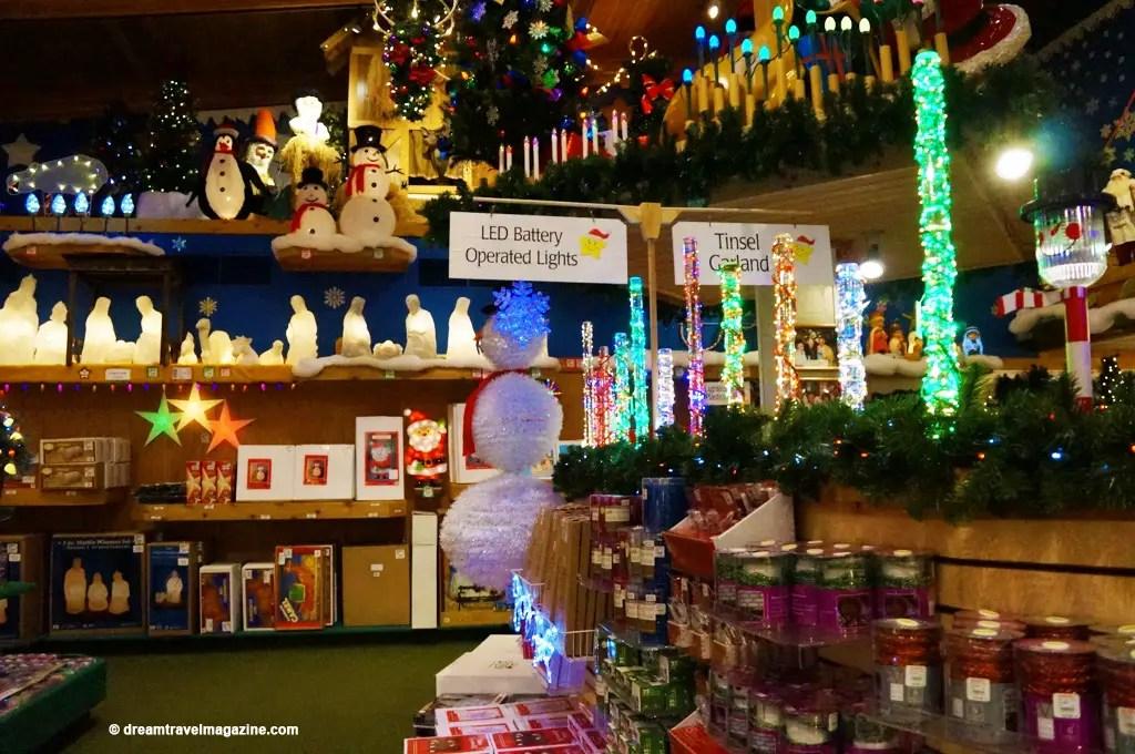 Bronners Christmas Wonderland-Michigan_dream-travel-magazine_15
