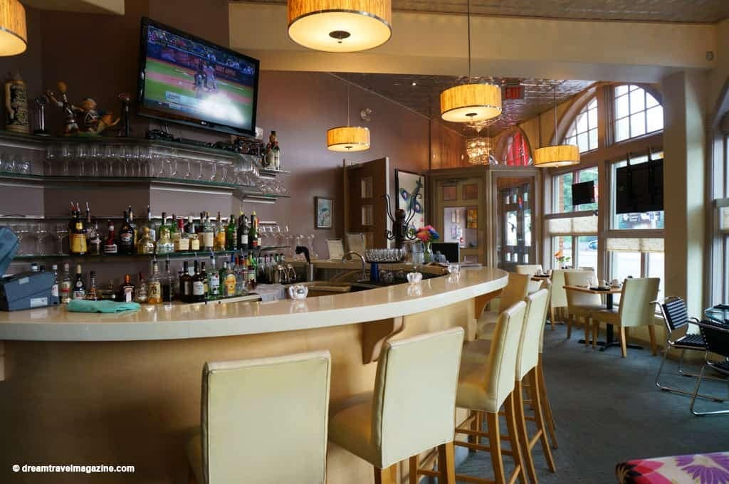 Ontario-Chatham-Retro-Suites-Hotel-review_26