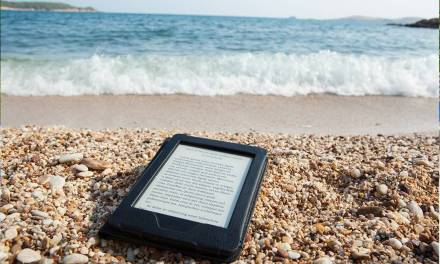 2017 Best E-readers for the Beach and the Outdoors