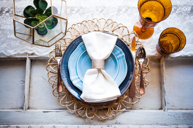 5 Table Setting Ideas For Your Summer Wedding