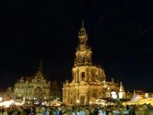 Hofkirche beim Stadtfest abends