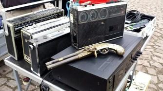 Revolver und Radio Elbeflohmarkt