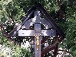 Kreuz an der Straße