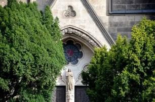 Eingang der Herz Jesu Kirche Dresden