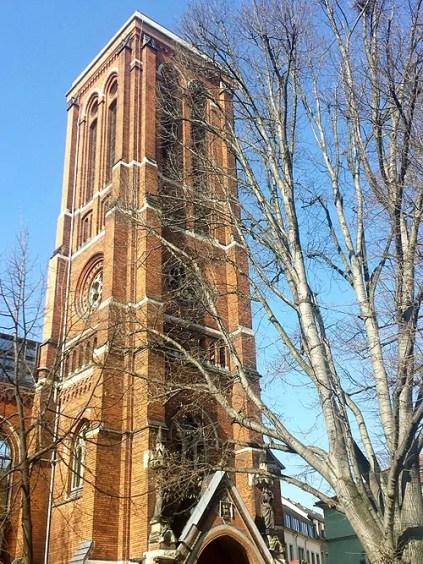 Theaterruine Turm im Frühling