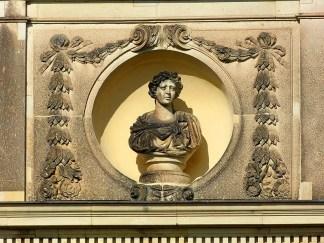 Skulptur am Palais