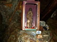 Heiligenfigur im Stollen