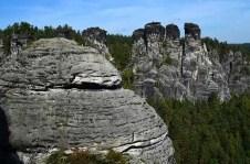 Ausflugsziel Bastei und Felsenburg Neurathen in der Sächsischen Schweiz gewaltige Felsen