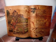 Buch aus Holz