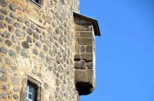 Turmmauer mit Vorsprung