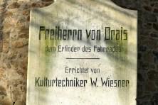 Gedenktafel Freiherr von Orais Erfinder des Fahrrades