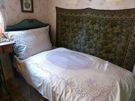 Altes Bett Wandteppich