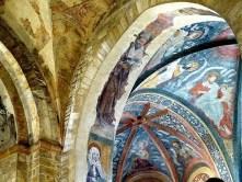 Steinbogen Wandmalerei Geistliche