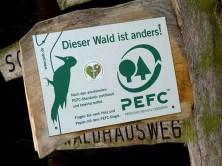 Schild PEFC Umwelt Bewirtschaftung Wald