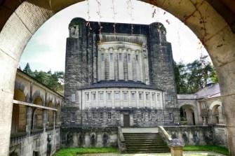 Innenhof Urnenhain Tolkewitz Krematorium