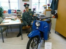 DDR Museum Polizist und Moped
