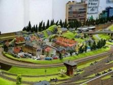 DDR Museum Modelleisenbahnplatte mit Dorf