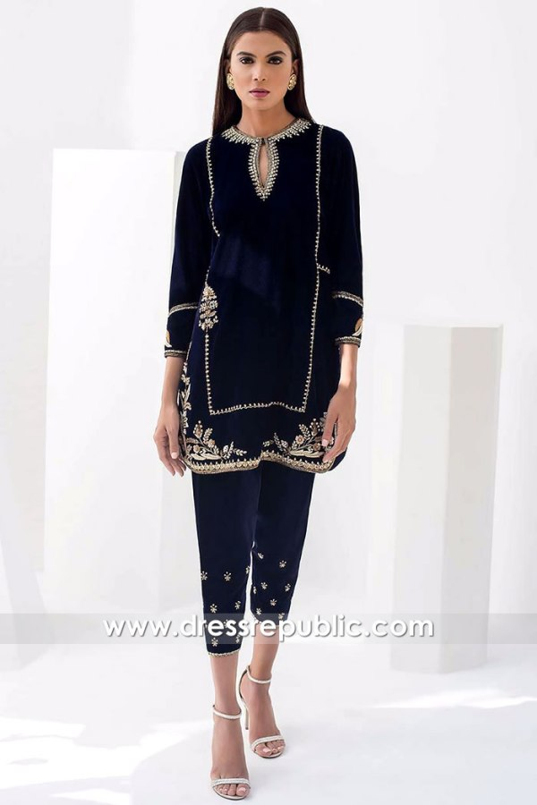 DR15868 Pakistani Designer Velvet Dresses Winter 2020 Online USA, Canada, UK