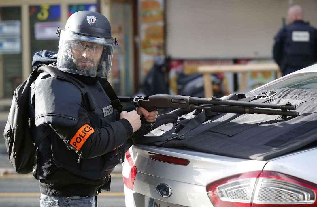 https://i1.wp.com/www.dreuz.info/wp-content/uploads/2017/02/2048x1536-fit_policier-quartier-goutte-or-paris-apres-attaque-survenue-devant-commissariat-7-janvier-2015.jpg