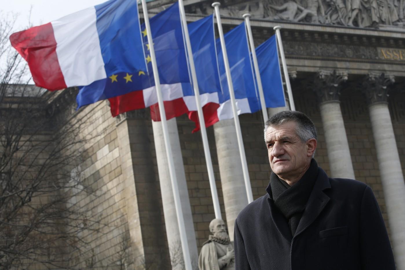 https://i1.wp.com/www.dreuz.info/wp-content/uploads/2017/04/Jean-Lassalle-60-depute-centriste-MoDem-Pyrenees-Atlantiques-18-mars-2016-devant-Assemblee-nationale-Paris_2_1400_933.jpg