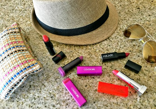 How to Wear Bold Lipstick Colors