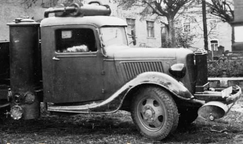 Ciężarówka na gaz drzewny z czasów II Wojny Światowej