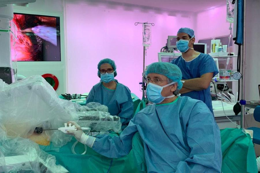 Robot da Vinci Xi usado en histerectomía. Dr. Francisco Carmona en el Quirófano Optimus 2. Cirugía robótica