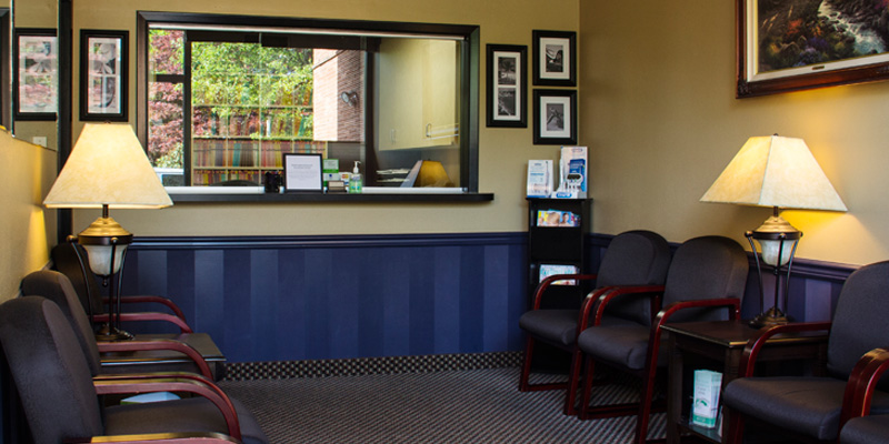 photo of reception area, Dr. Glenna Sequeira Family Dentistry