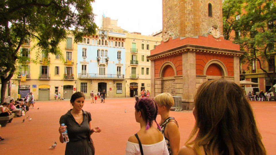 Plaça de la Vila de Gràcia Barcelona - Devour Barcelona Food Tours