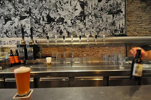 Ale and Hop Craft Beer Bar and Vegan Restaurant El Born Barcelona