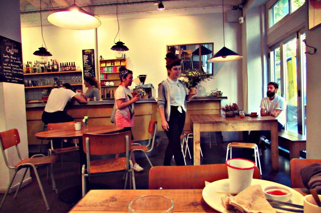Caravelle hipster cafe, bar, restaurant, craft beer brewery in Raval, Barcelona