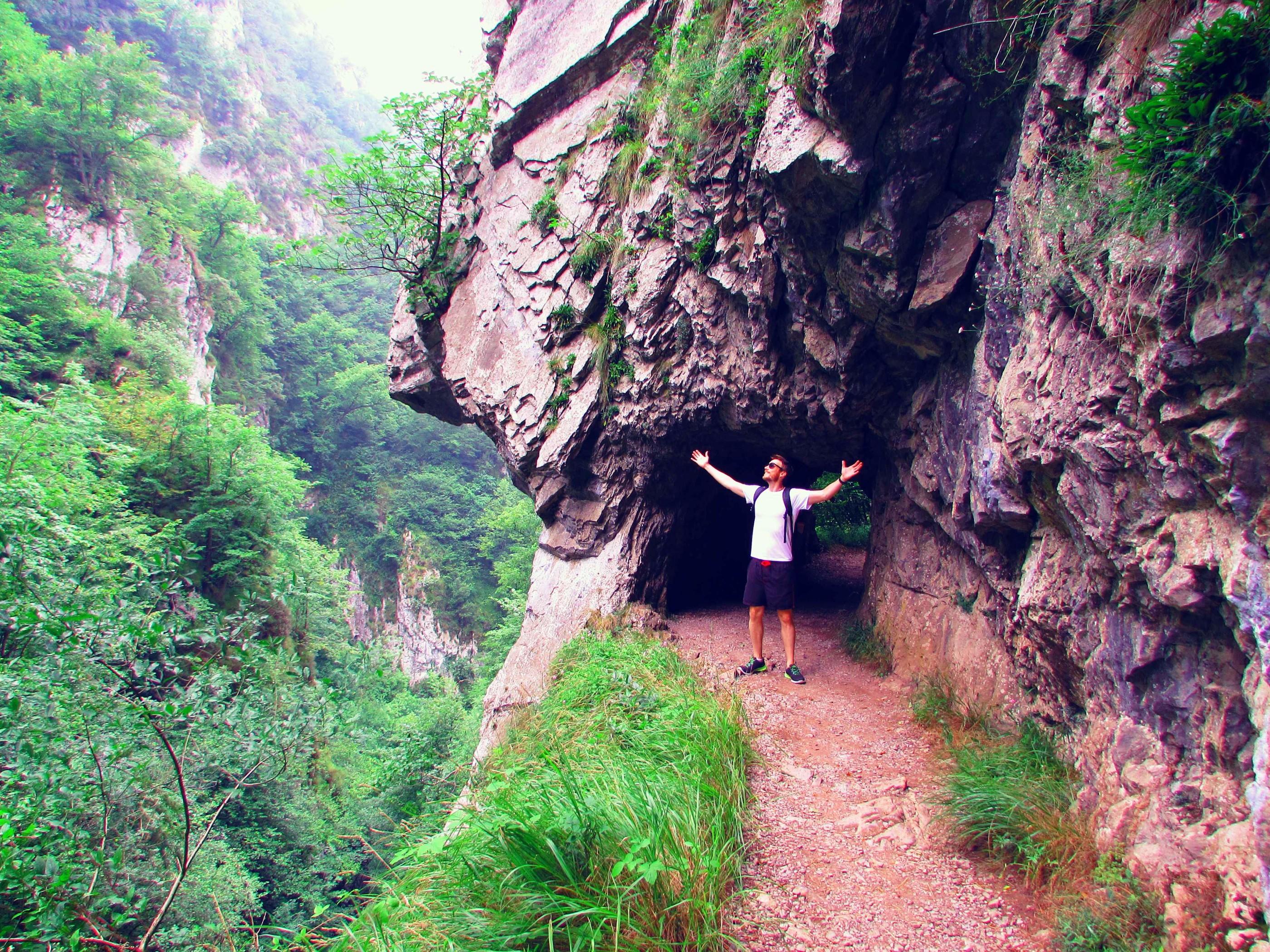ruta-de-las-xanas-hiking-the-picos-de-europa-in-asturias-northern-spain