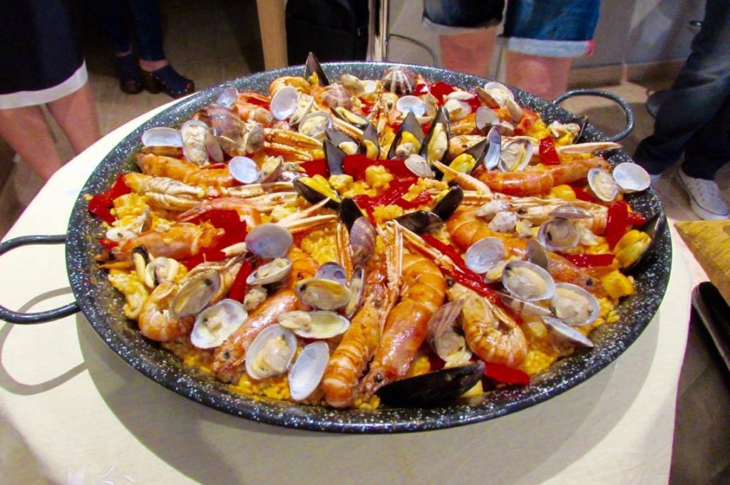 paella-at-teresas-in-barcelona-by-ben-holbrook