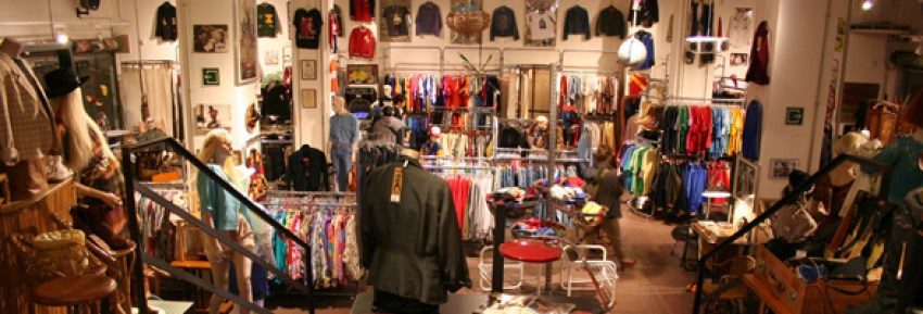 Holala Plaza Vintage Fashion and Furniture shop in Raval Barcelona