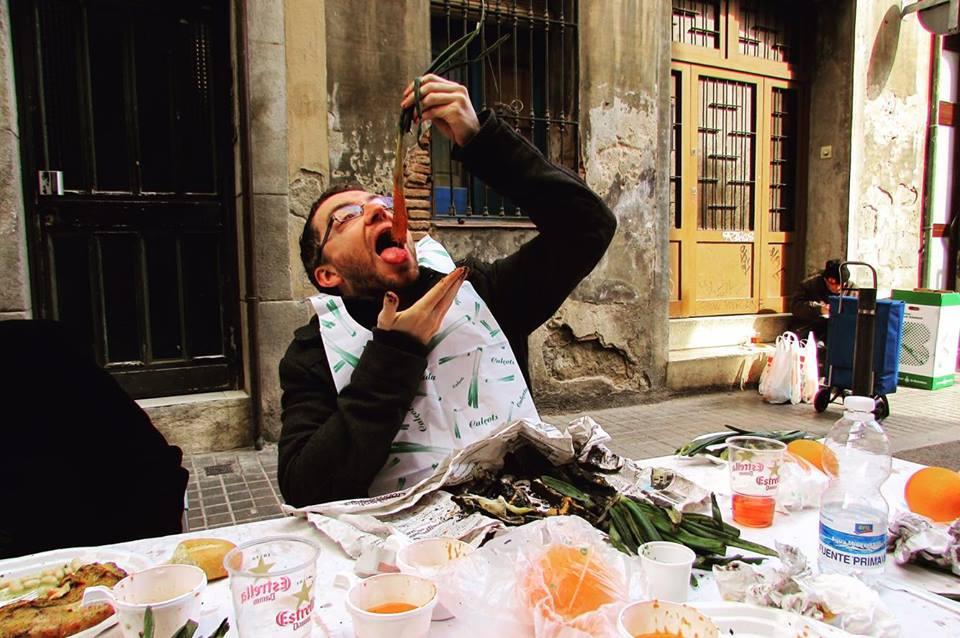 Eating Calcots in Barcelona Calcotada
