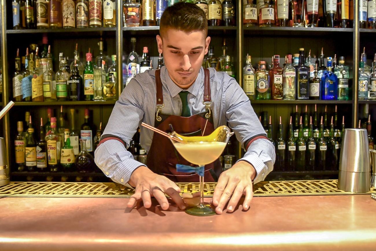 Hemingway Cocktail Bar, Carrer Muntaner, Eixample, Barcelona