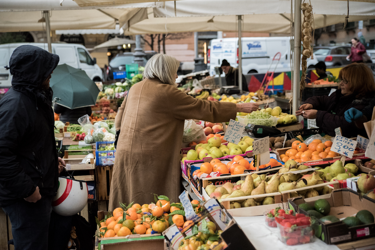 Market moments on Eating Italy's 'Trastevere for Foodies' food tour.