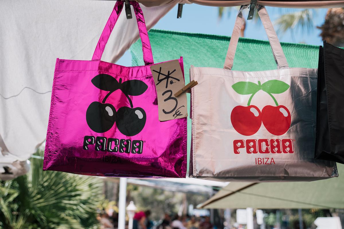 Punta Arabíhippy market, Ibiza - by Ben Holbrook