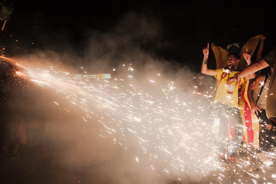 Sant Jordi Day Barcelona ~ By Ben Holbrook from DriftwoodJournals.com2