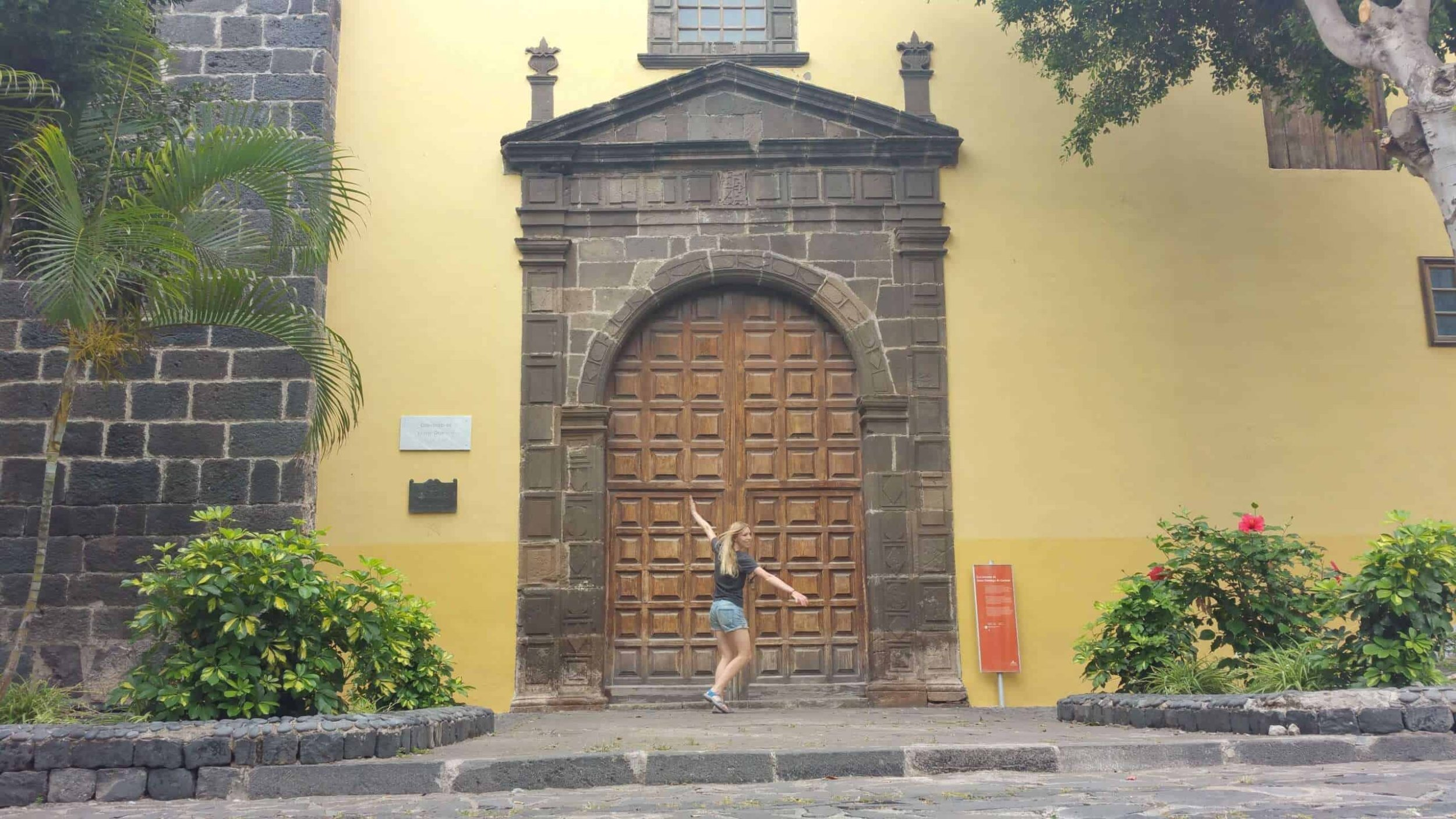 icod-de-los-vinos-garachico-tenerife-teneriffa-canary-islands-canarias-arquitectura-architecture-comer-visit-restaurant-food-canarian-drago-tree-arbol-visitar-turismo-tourism-scaled