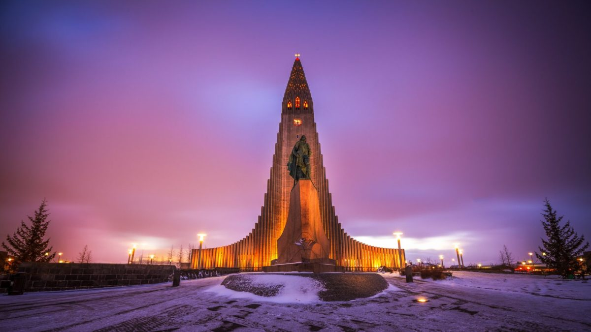 Hallgrimur's Church (Hallgrimskirkja) in Reykjavik. Photo by Andrés Nieto Porras via Flickr CC