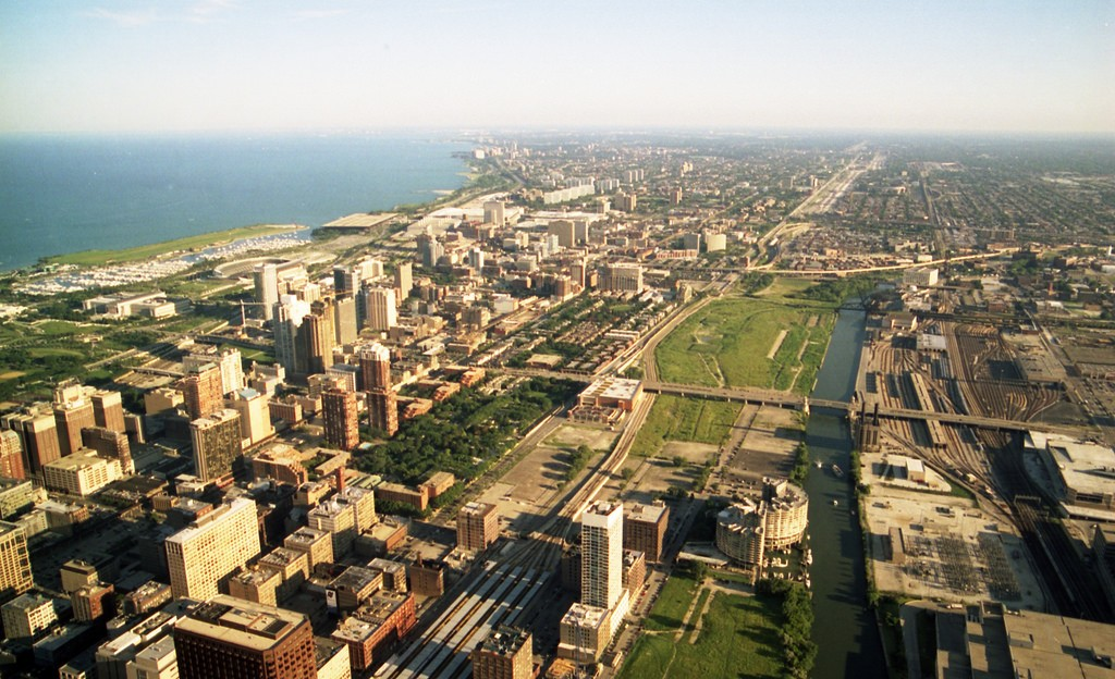 Sears Tower. Photo by Aquistbe via Flickr CC