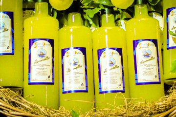 Limoncello Lemon Liquor Amalfi Coast Italy