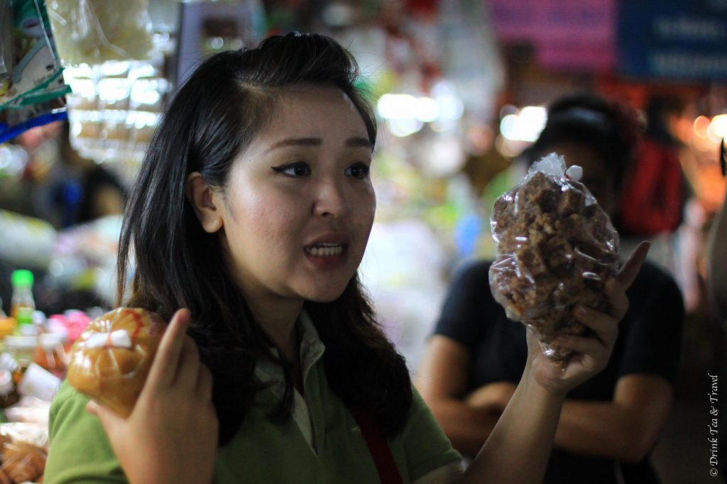 Thai Farm Cooking Class guide explains how to shop at a local market