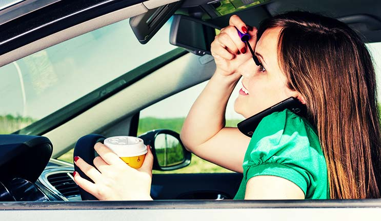 5 Things You Should Never Do While Driving a Motor Vehicle