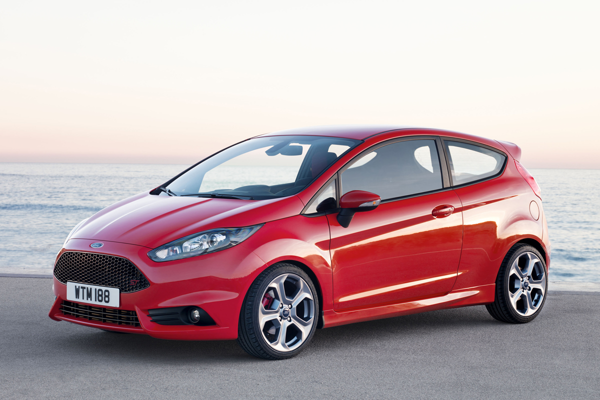 Ford Fiesta ST 2013 rood 04