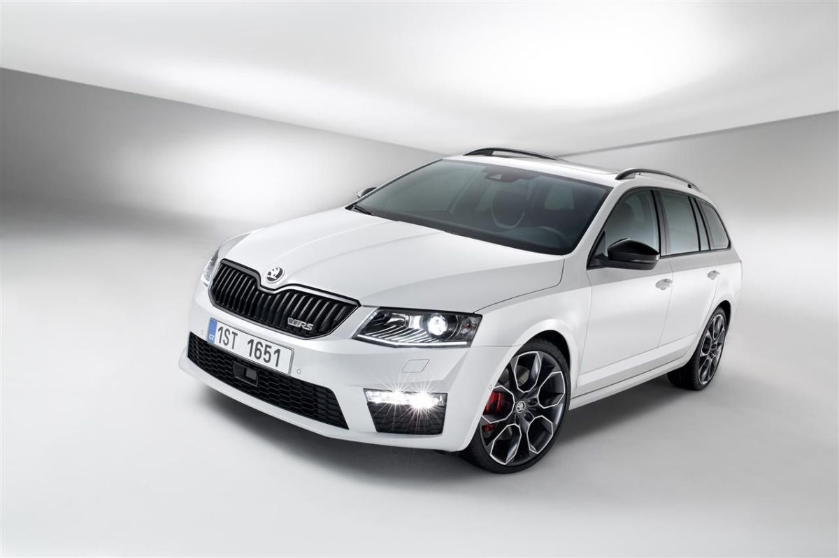 Skoda Octavia RS Combi Sedan blauw wit grijs Steel Grey Rallye Green Sprint Yellow TSI TDI 2013 06