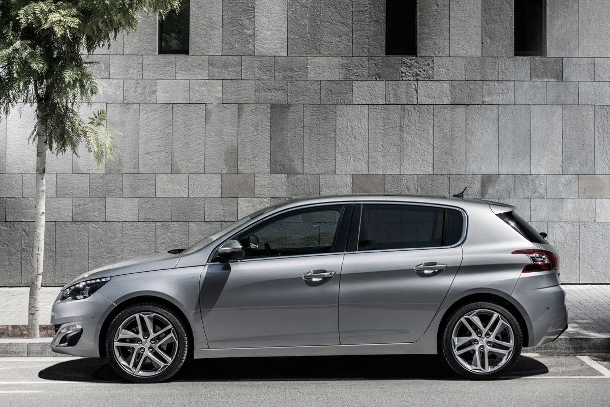 Peugeot 308 1.6 e-HDi anrtaciet zilver brons 2014 01