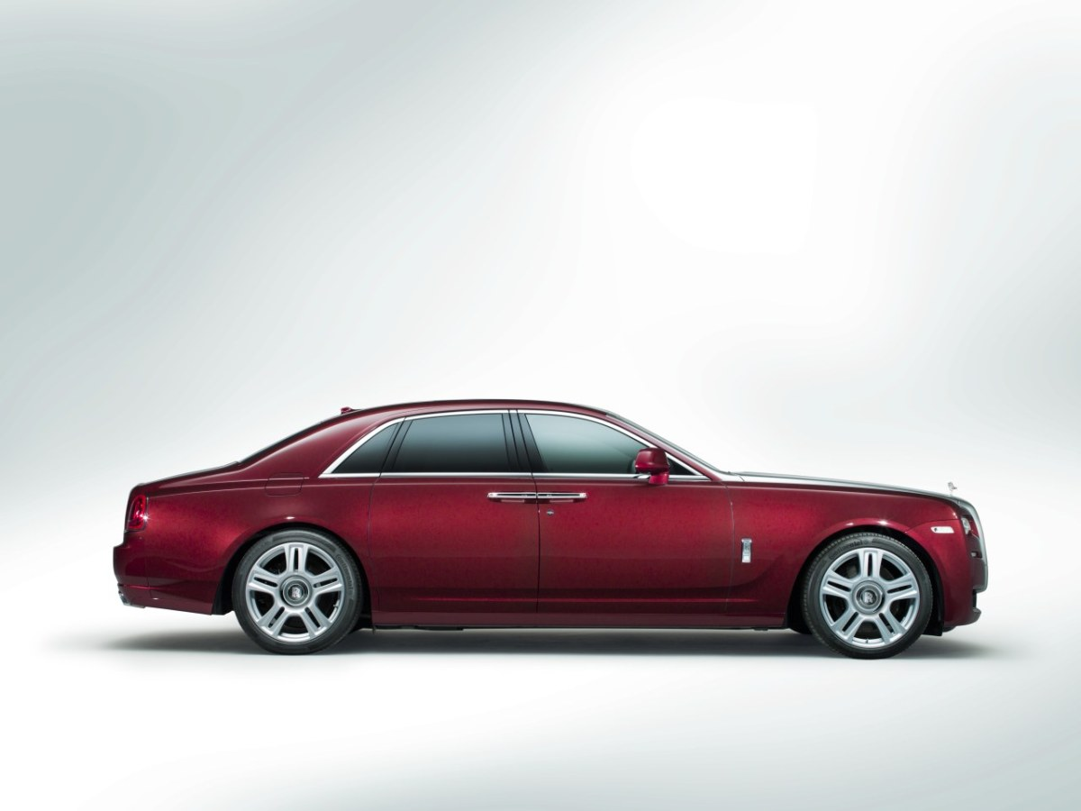 Rolls-Royce-Ghost-Series-II-facelift-rood-2015-01